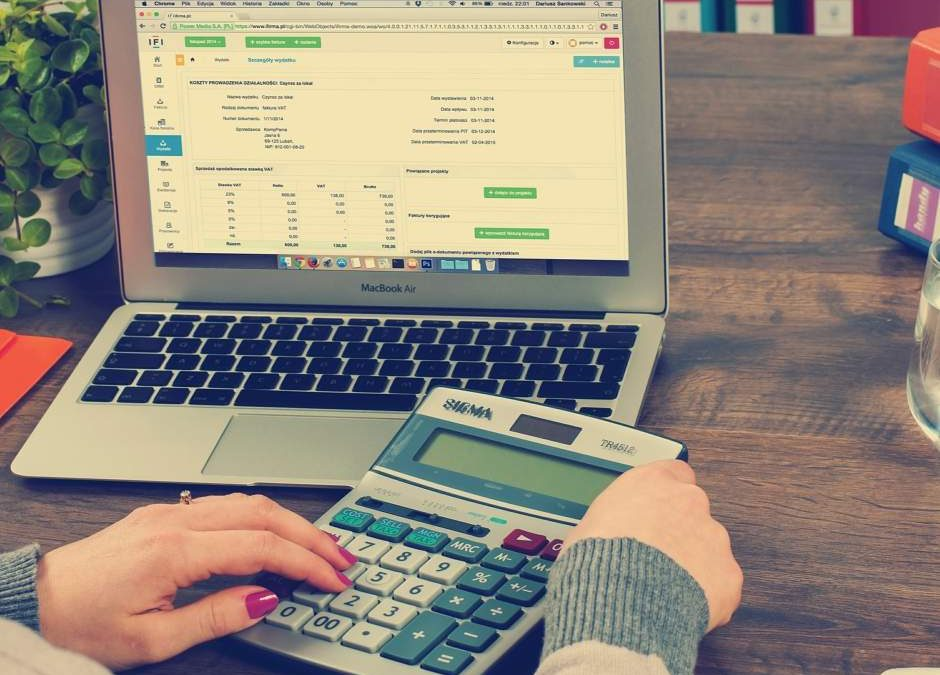 5 Reasons To Outsource Bookkeeping & Payroll In Your Small Business
